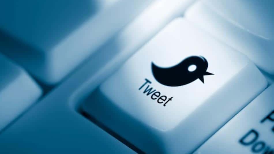 tweet touche